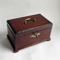 Антикварная коробка для чая